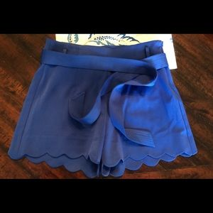 Altar'd State scalloped shorts with belt sz 4 NWOT
